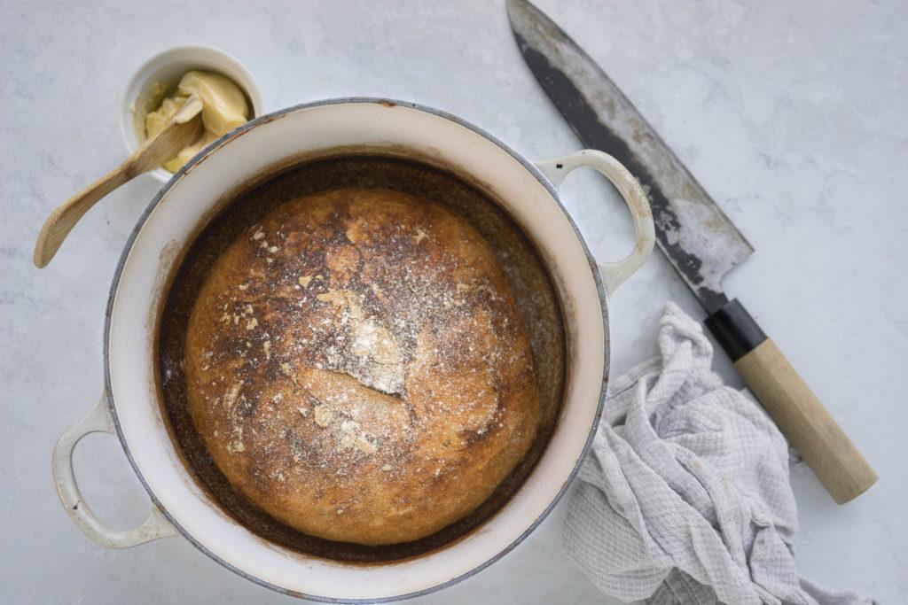 Bread in an heat proof kettle