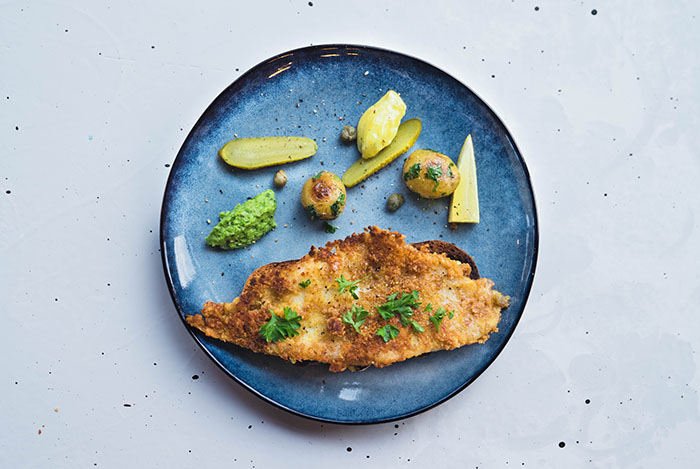 Witch flounder with green pea mash and homemade Mayoniese