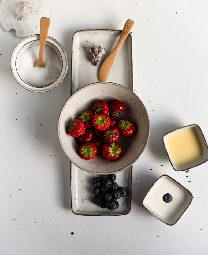 Blueberries and strawberries in a bowl