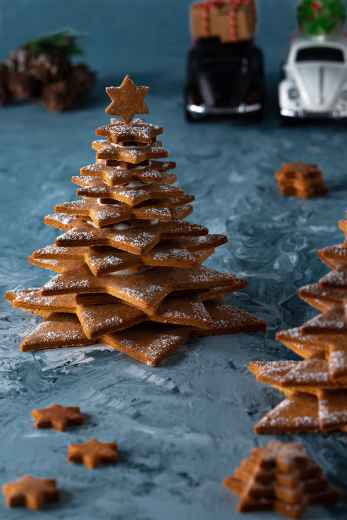 Gingerbread tree with snow