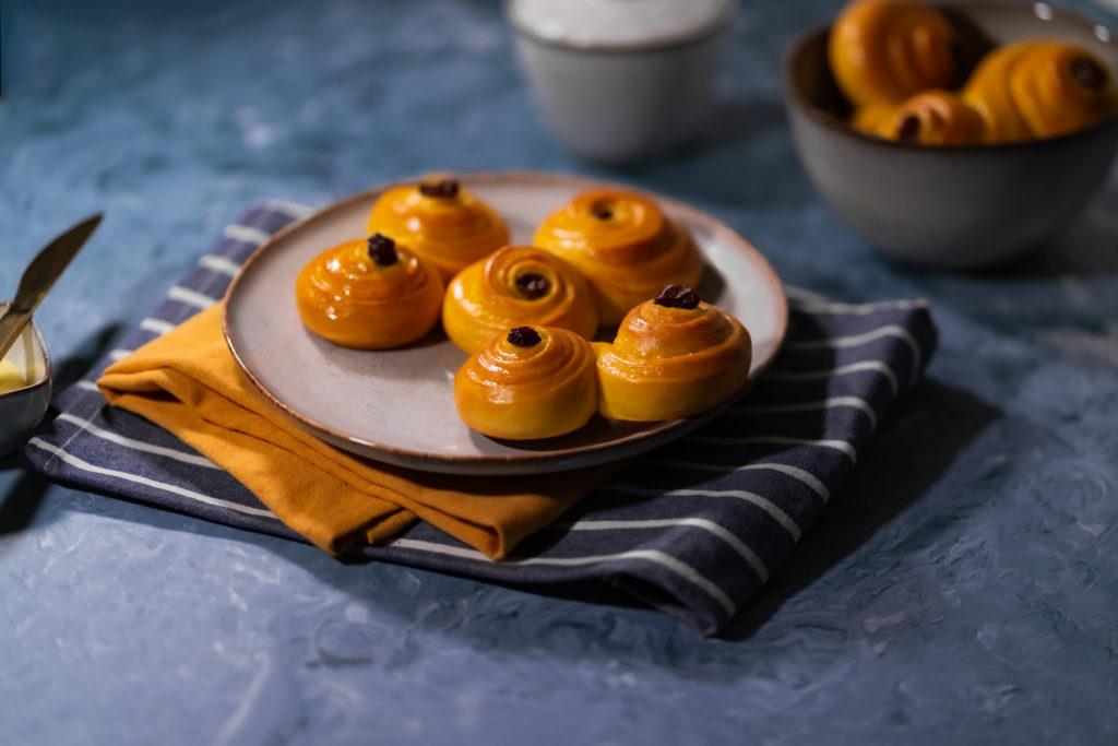 Norwegian saffron buns, Lussekatter on a plate